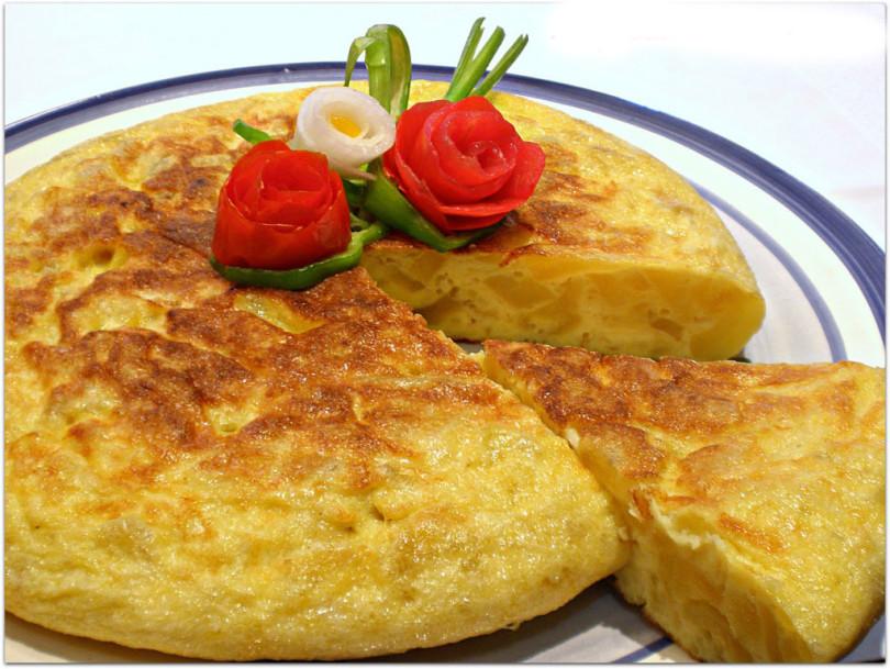 tapas en Cambrils tortilla de patatas en Internacional cafeteria